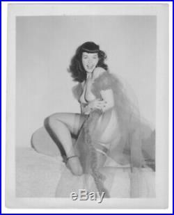 BETTIE / BETTY PAGE / 1950`s Vintage ORIGINAL, silver gelatin 4x5 photograph