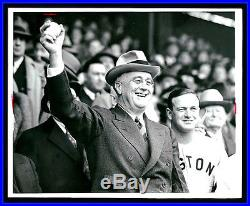 FRANKLIN D ROOSEVELT Throws Out First Pitch VINTAGE FDR with Joe Cronin WIRE PHOTO