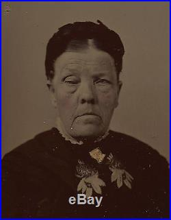 OLD VINTAGE ANTIQUE TINTYPE PHOTO of FRIGHTFULLY HYPNOTIC SCARY OLD WOMAN
