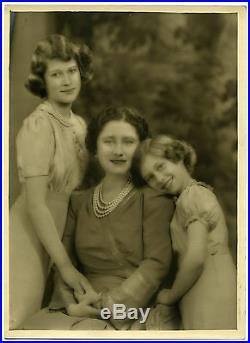 Queen Mother Elizabeth & her Princesses, by Marcus Adams Vintage Photo 1940