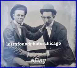 VICTORIAN ANTIQUE VINTAGE BFFs DUDES FRIENDS GAY INTEREST TLC MD TINTYPE PHOTO
