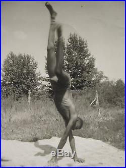 Vintage Artistic African American Action Moving Shot 1961 Sun Sand B&w Art Photo