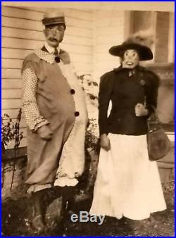 Vintage HALLOWEEN ORIGINAL PHOTO 1930's MAN & WOMAN in CREEPY CLOWN WITCH MASKS